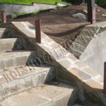 Бетонная лестница с креплениями