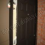 Установка металлической двери своими руками